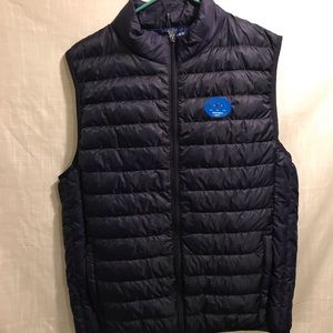Navy packable vest L NWT
